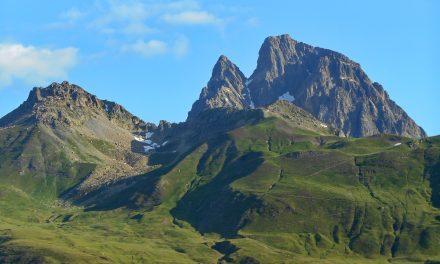 Pic de Peyrelue 2441m